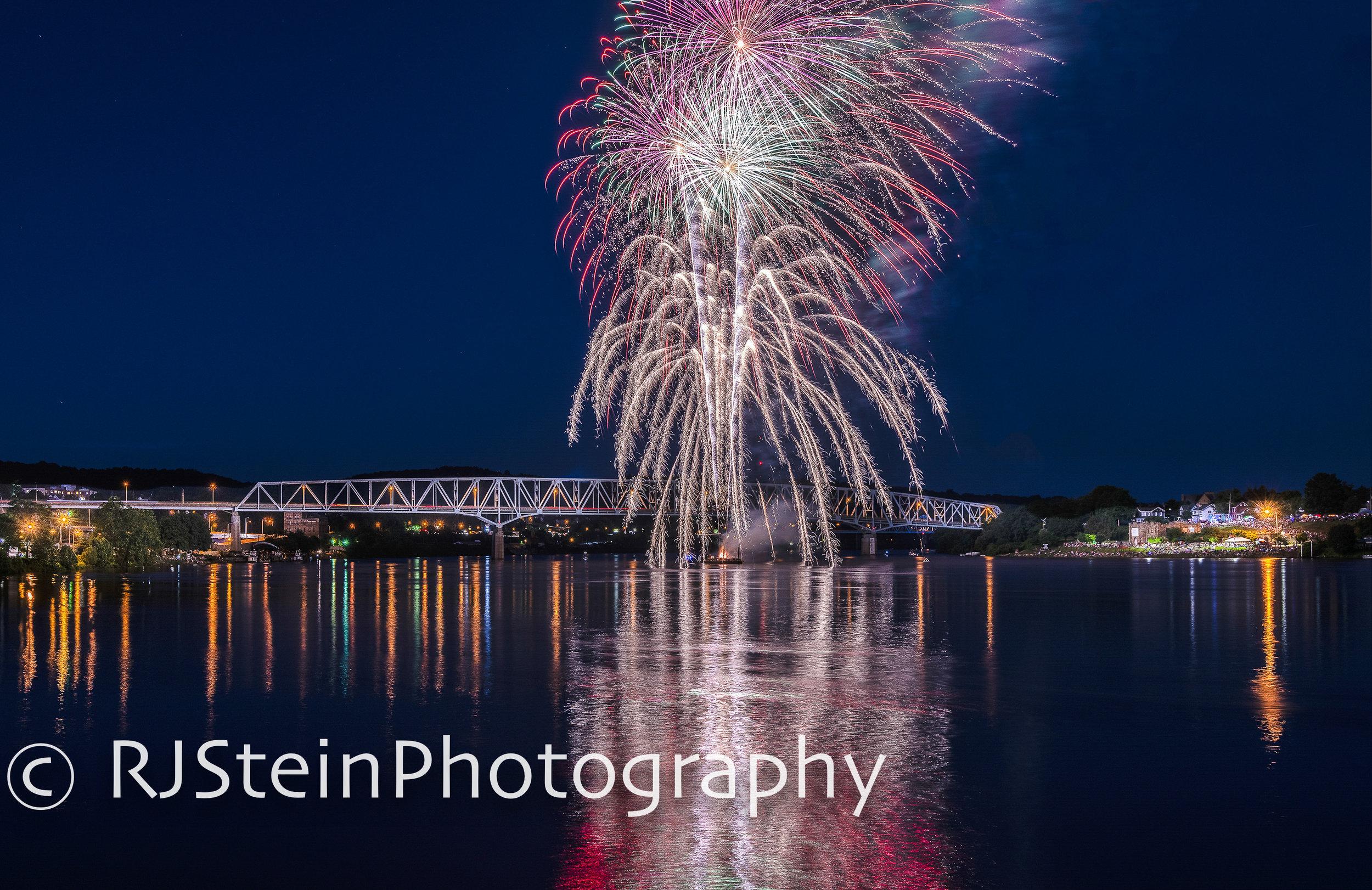 monaca bridge fireworks, pittsburgh, 2019