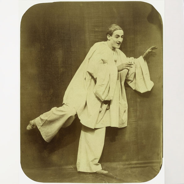 Pierrot Running , by Nadar and Adrien Tournachon, 1854-55. The Metropolitan Museum of Art, New-York, Gilman Collection, Purchase, The Horace W. Goldsmith Foundation Gift, through Joyce and Robert Menshel, 2005.