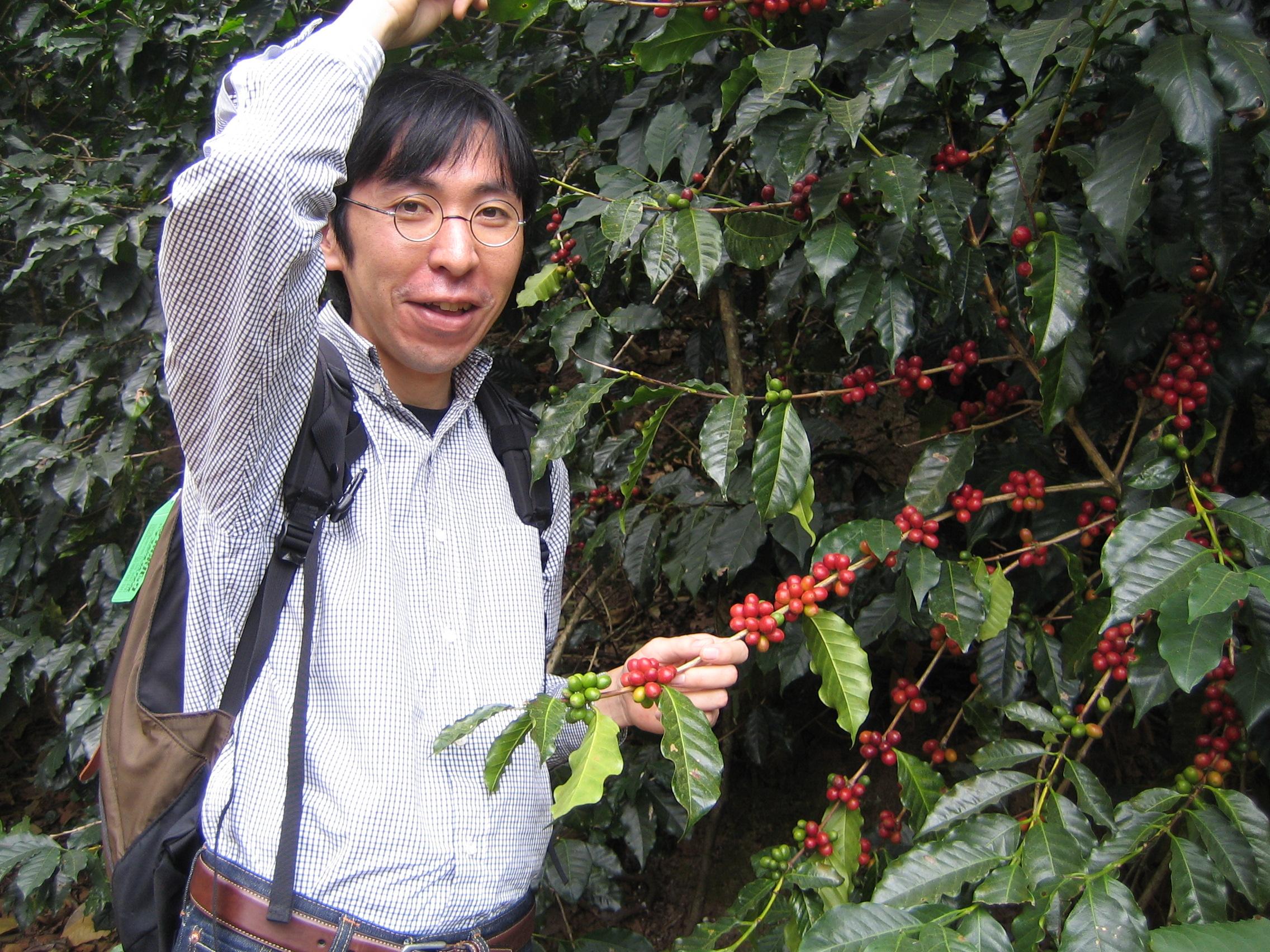 自家焙煎コーヒーの先駆者、カフェ・バッハの田口護氏に師事 -