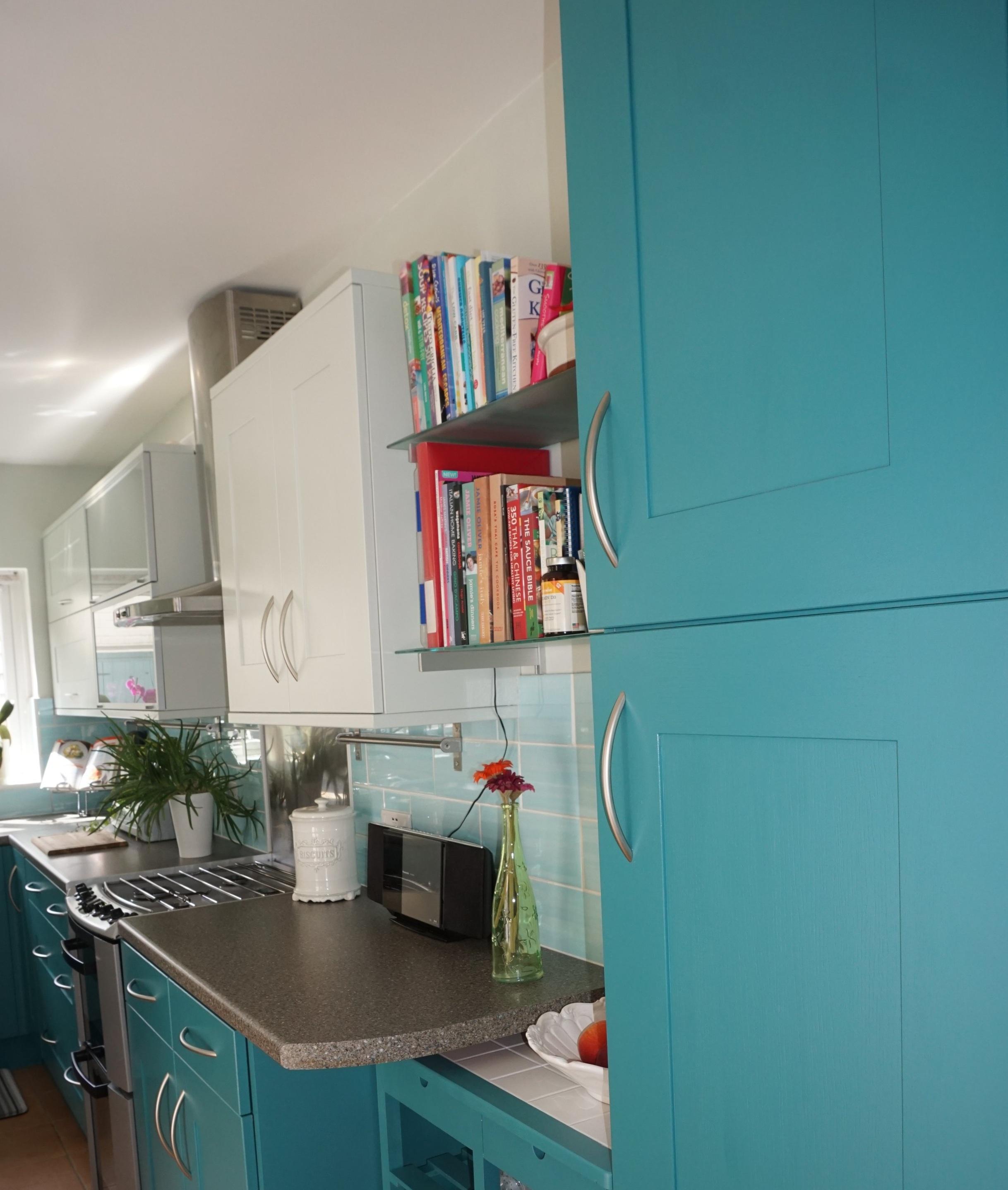 Kitchen - Book shelves