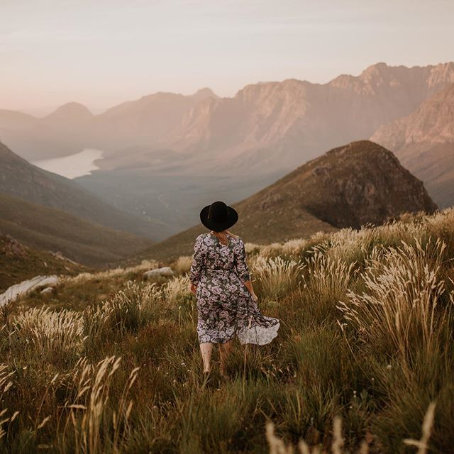 // THE MOUNTAINS ARE CALLING // We're out here exploring secret spots among the Mountainous folds of the Cape Winelands. . . #explorebeyond #joinus #travelgram #explorecapetown #capetowncity #outside #discovery #thisissouthafrica #adventure #luxuryadventure #wilderness