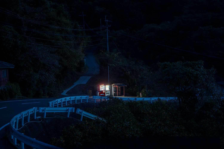 enkster-corsifotografiacatania-magazinefotografiaRoadside-lights-i-distributori-automatici-di-Eiji-Ohashi-Collater.al-6.jpg