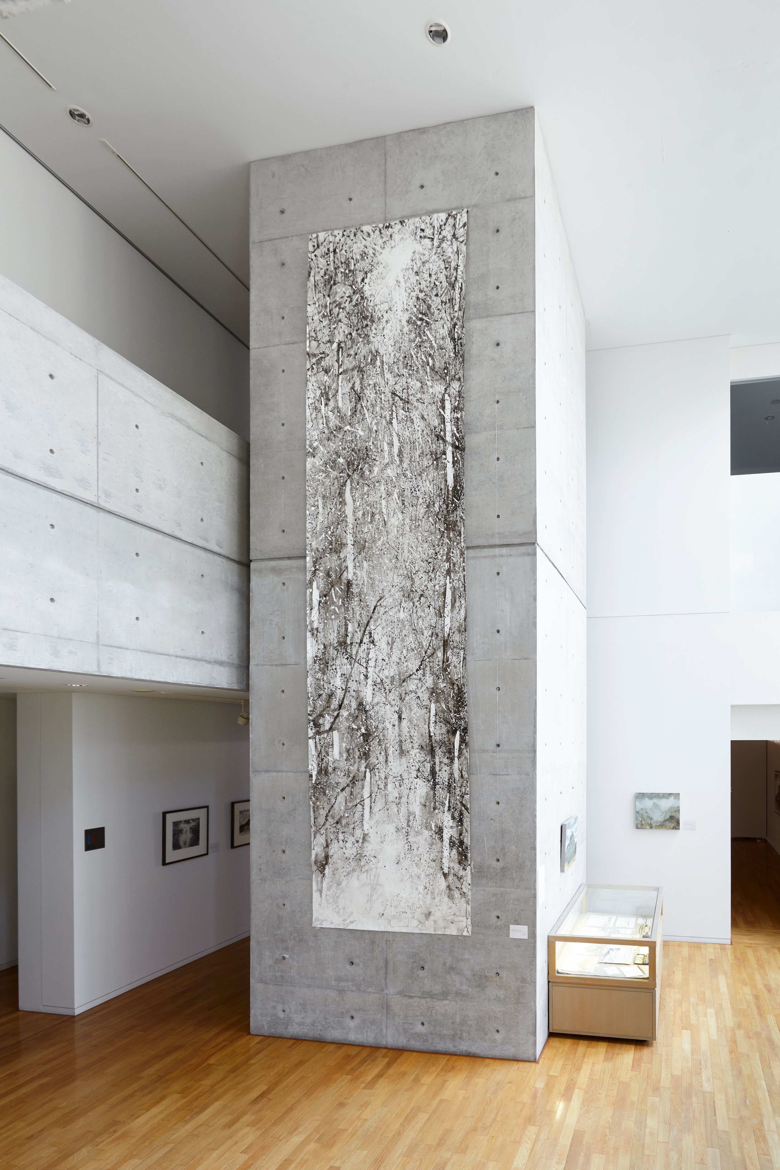 A view of the big concrete wall which inspired the 5.6 meter drawing of the forest.