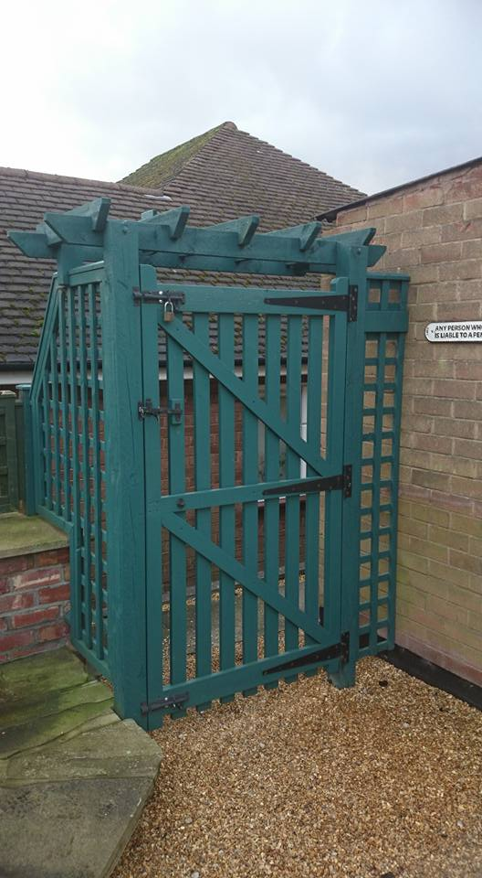 Bespoke arch and gate built by DMC Timber & Landscaping