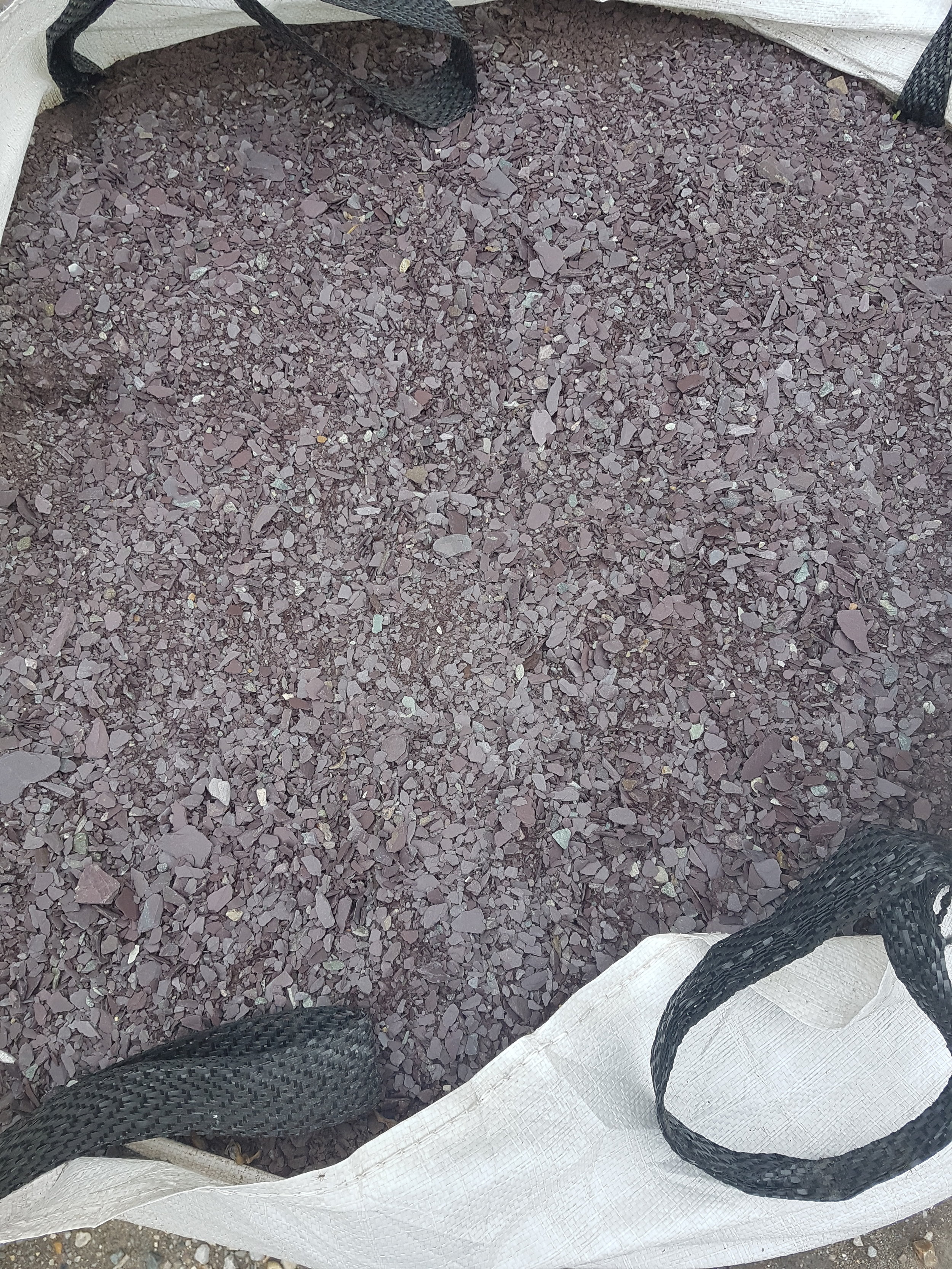 Slate Path - A crushed slate aggregate ideal for paths. Typically 10mm to dust.