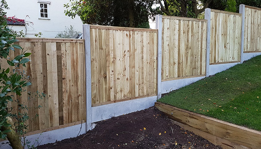 Picture courtesy of Tatton Fencing.