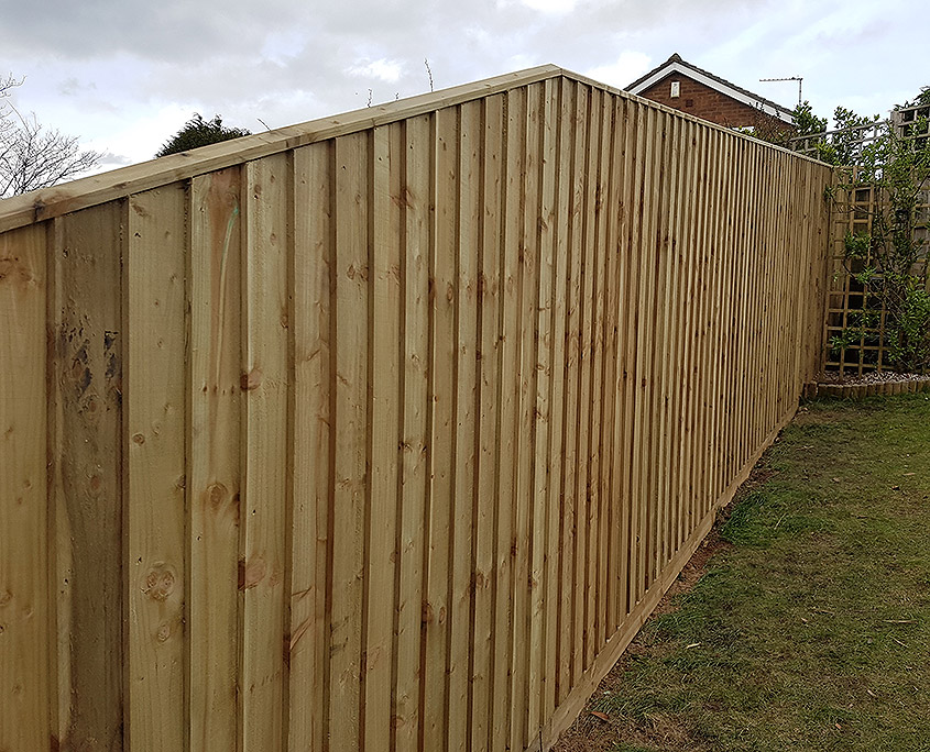 T/w capping show here on a featheredge fence.