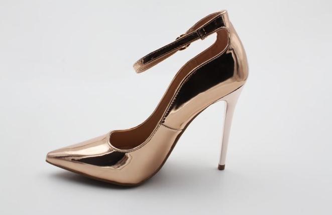 Atoms-shoes_2000x.progressive_113858b6-ec01-42bc-9ffc-9249e1318bf6_2000x.progressive.jpg