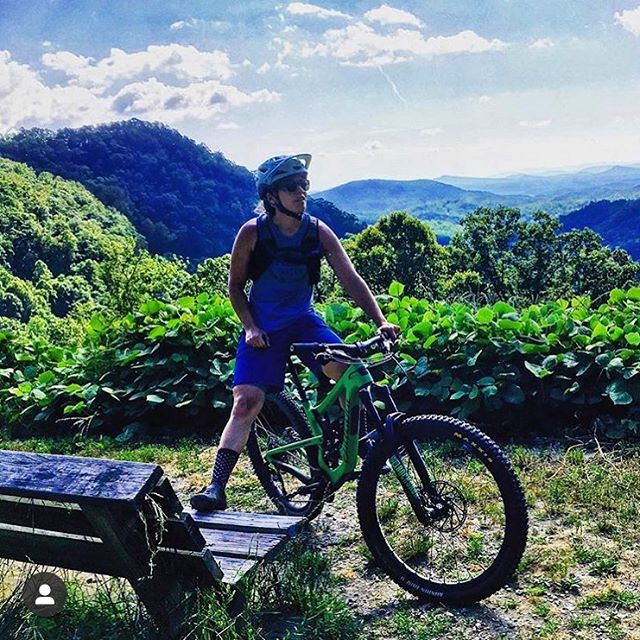 There's still room in our fall mountain bike camp this October 3-6. What camp includes: skills practice, trail riding, prepared meals, yoga, laughs, awesome women and an amazing time! 🚵🏻‍♀️ 🏔 🧘🏻‍♀️ 🌯 . . . DM for details or check out our website site https://www.elevatedride.com/2019-camp-schedule
