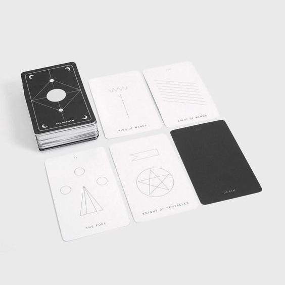 Tarot & Guidebook - Silver EditionThe Dreslyn