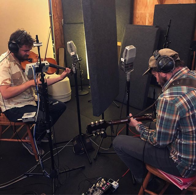 It was a pleasure to host @thebrotherbrothers for a morning recording session after the @sistersfolkfestival. We broke out some twin 1940s era RCA 44bx ribbon mics for these phenomenal twins 👨🌾👨🌾 Such an authentic sound for their new song.