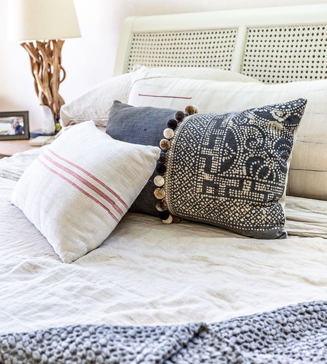 DIANI Living has the coziest of bedding from linen sheets to custom pillows and fluffy throws. With designers on hand to help you select, you'll find the perfect bedroom revamp. DIANI Living is located in our lovely Arlington Plaza ☀️