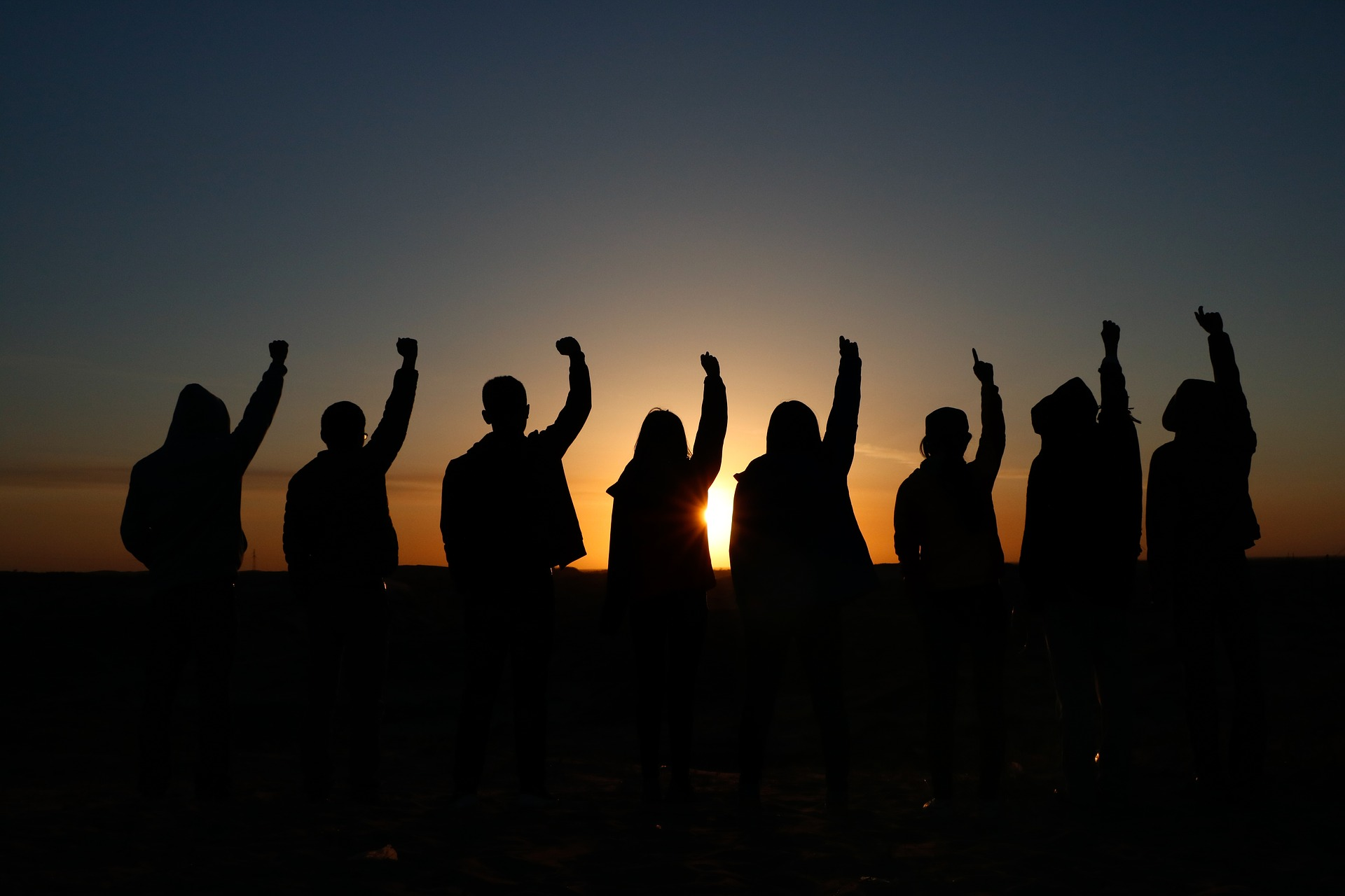Zusammenkommen ist ein Beginn, zusammenbleiben ein Fortschritt, zusammenarbeiten ein Erfolg! - (Henry Ford)