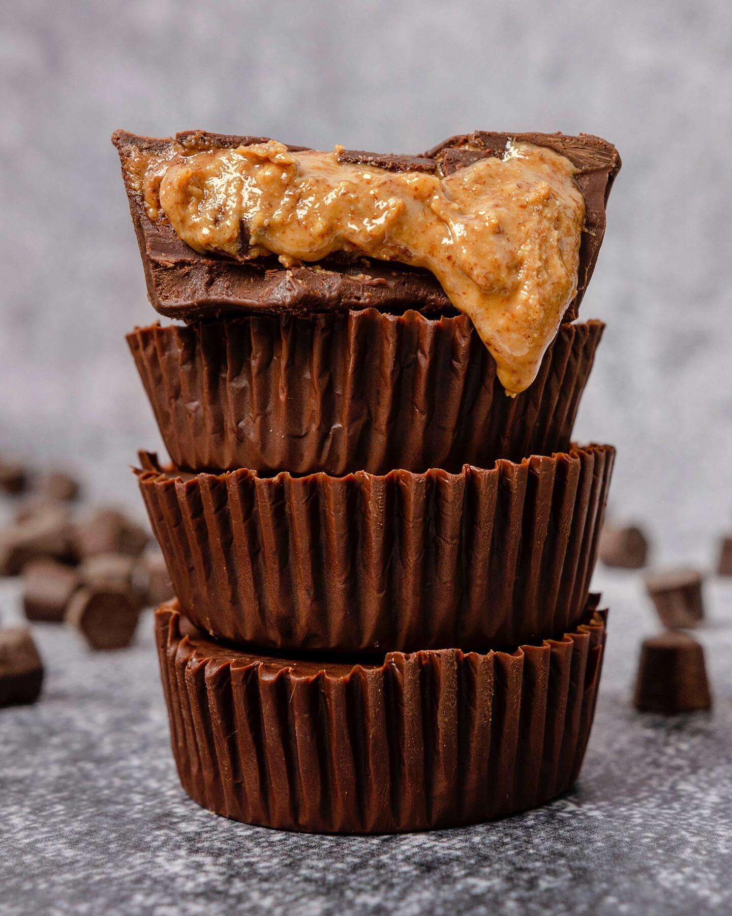 Almond Butter Filled Dark Chocolate Cups  | Paleo, Vegan, Gluten-free Recipe