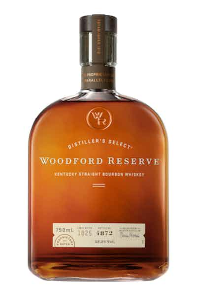 WOODFORD RESERVE  AROMA  Heavy with rich dried fruit, hints of mint and oranges covered with a dusting of cocoa. Faint vanilla and tobacco spice  TASTE  Rich, chewy, rounded and smooth, with complex citrus, cinnamon, and cocoa  FINISH  Silky smooth, almost creamy at first with a long, warm satisfying tail