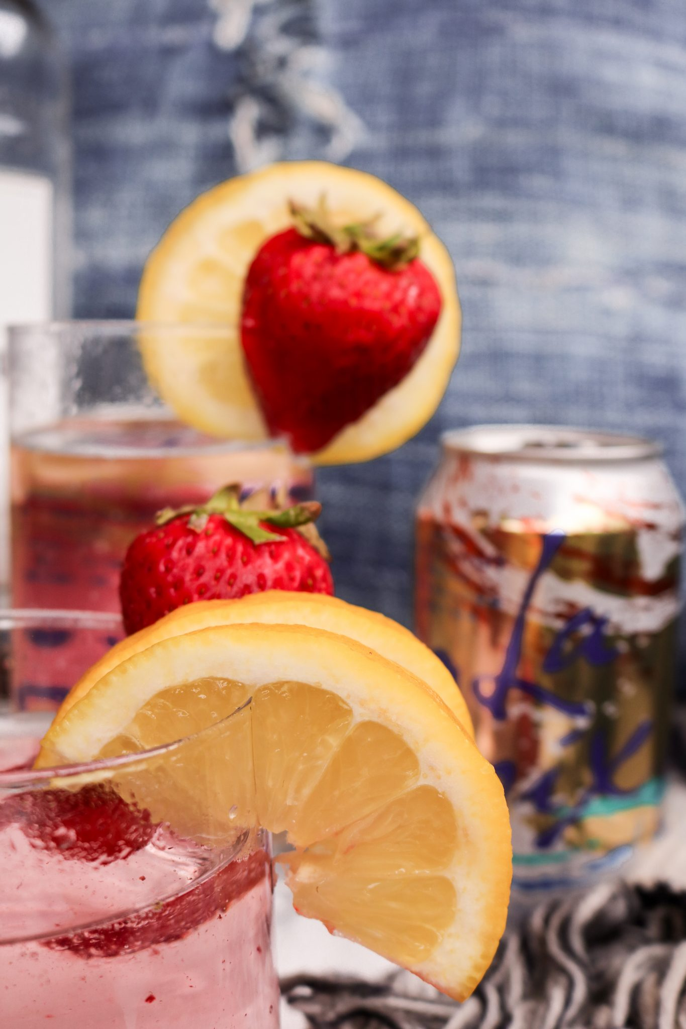 The-Hungarian-Brunette-Skinny-cocktails-lacroix-water-and-vodka-4-of-4.jpg