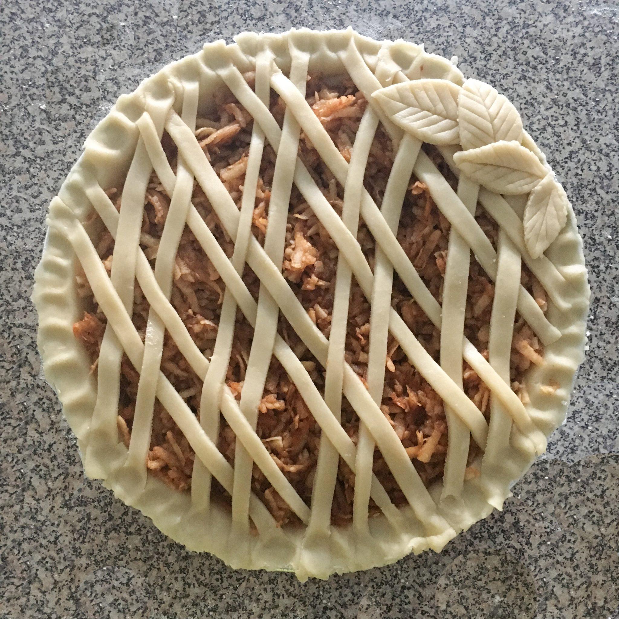 The-Hungarian-Brunette-creative-pie-crust-2-of-2.jpg