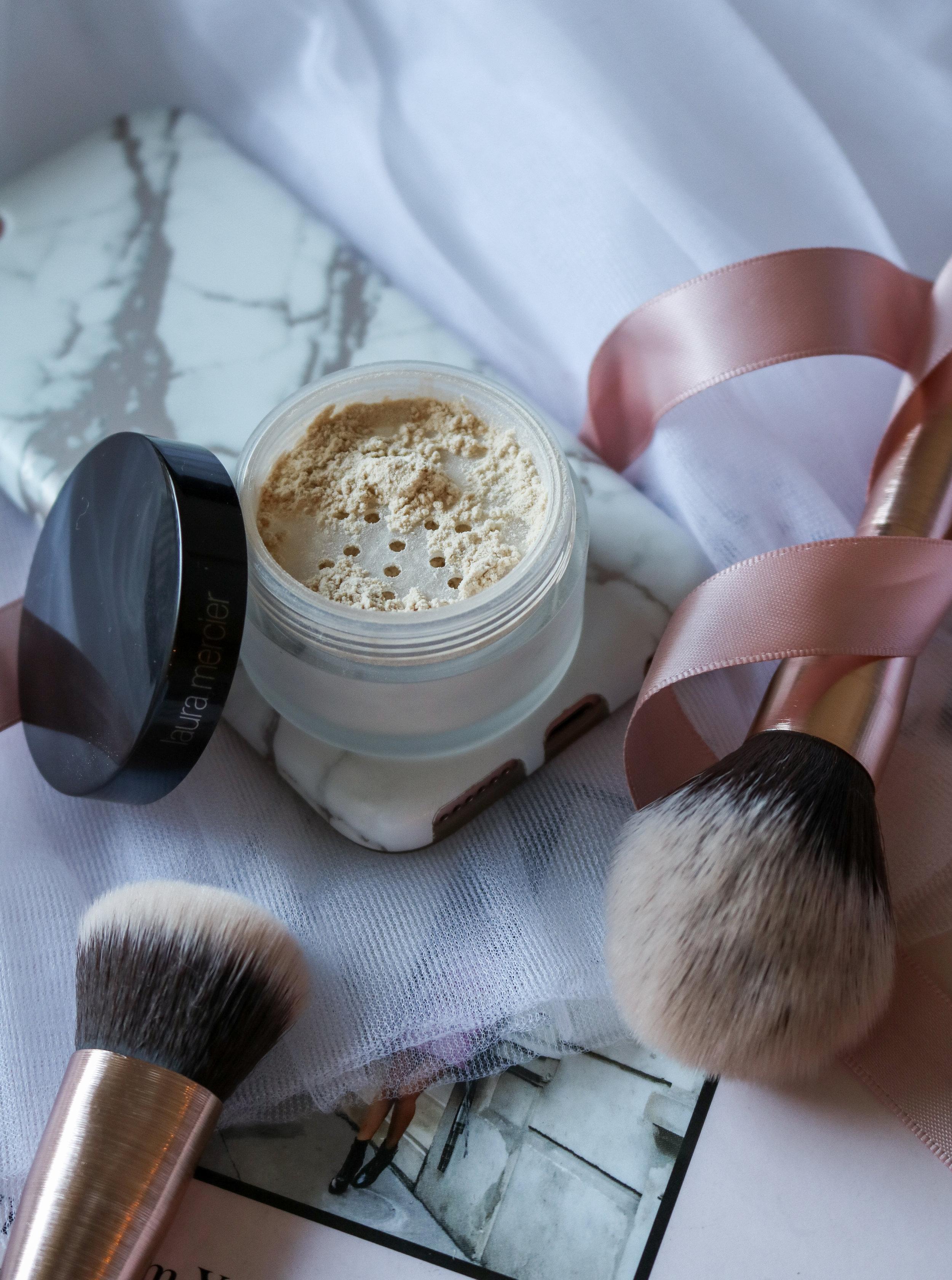 The Hungarian Brunette Laura Mercier translucent setting powder review (1 of 4).jpg