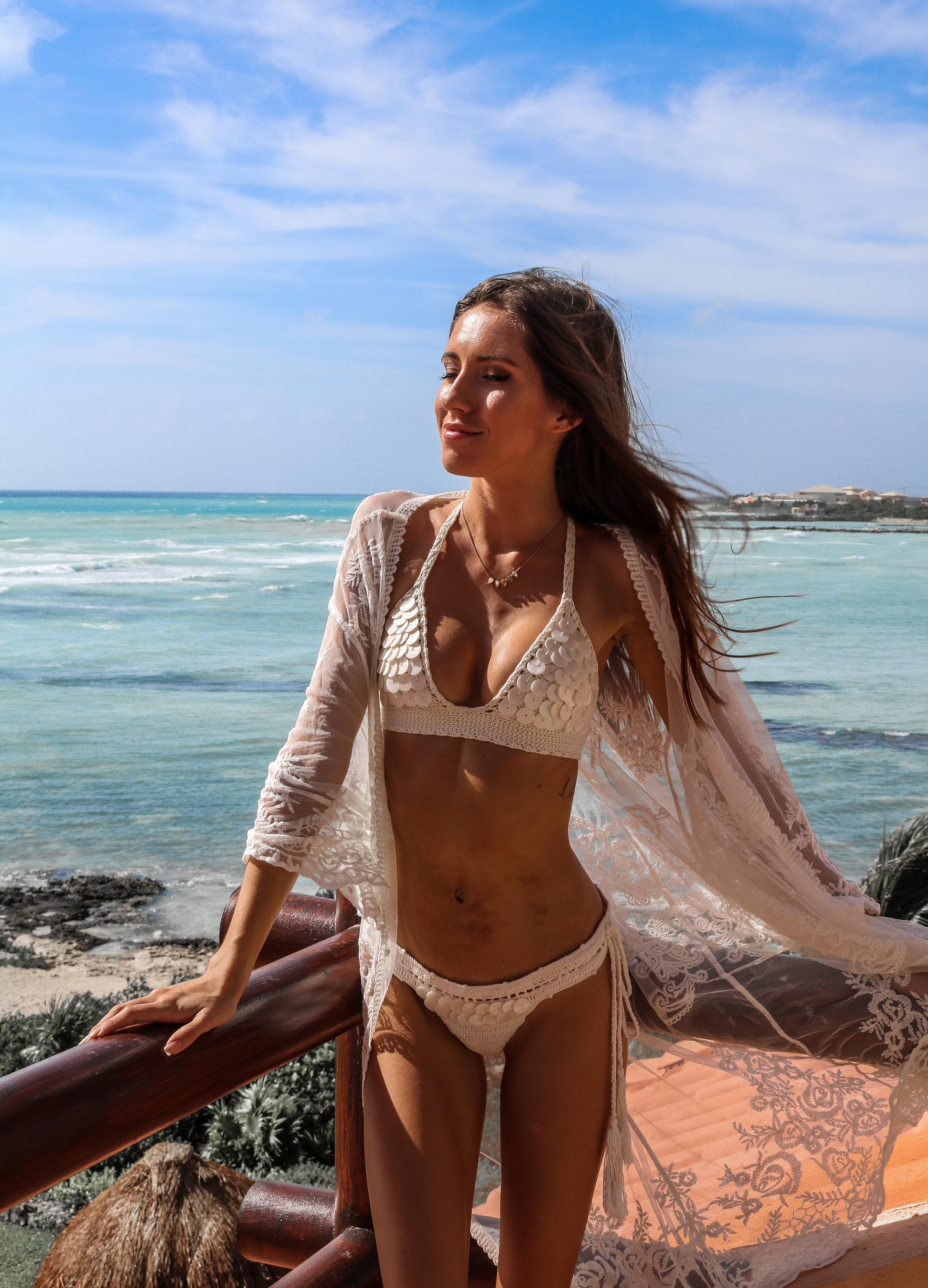 The Hungarian Brunette my 5 favourite bikinis flattering for skinny girls with small boobs - andi bagus shell crochet bikini