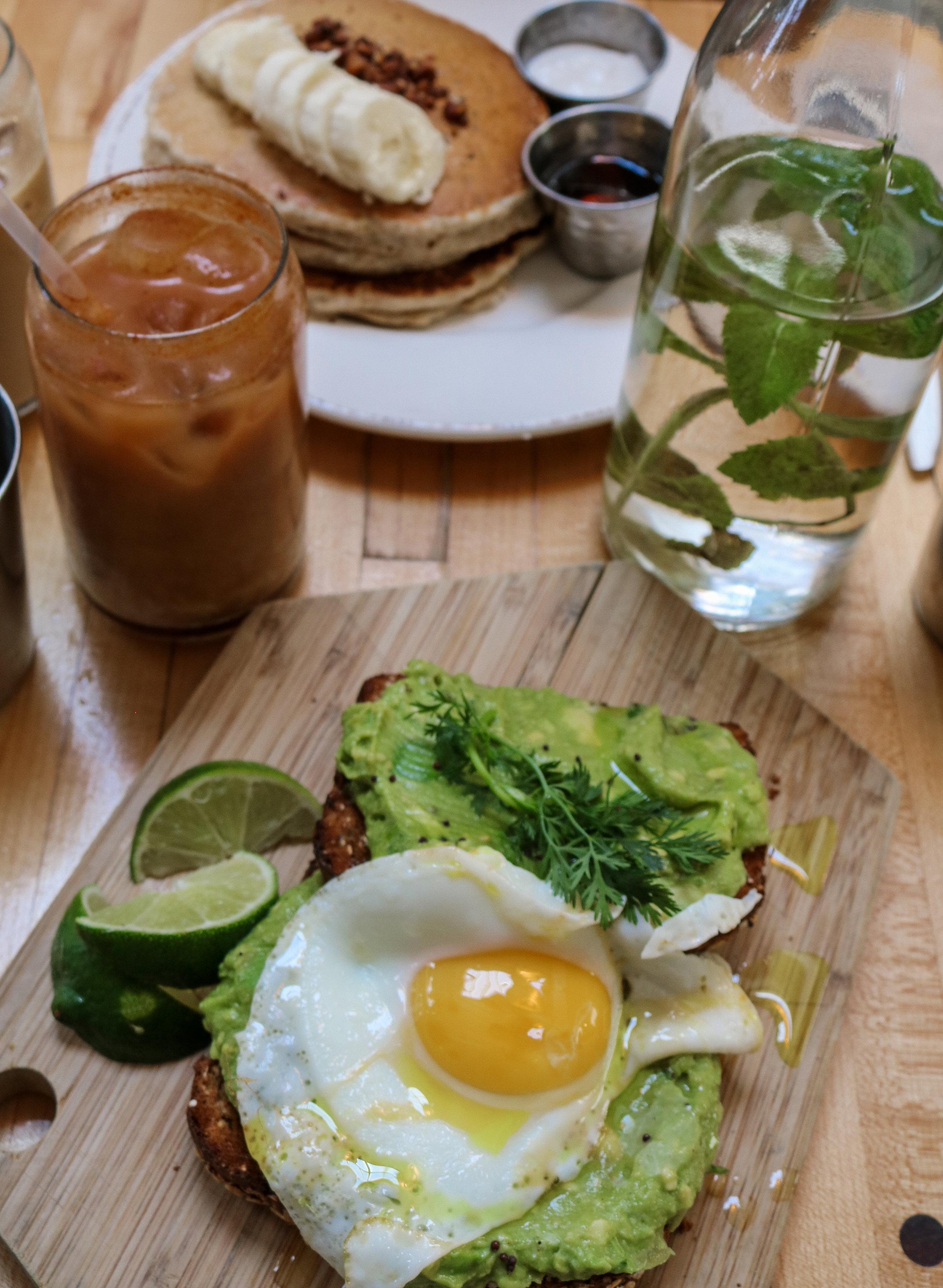 The Hungarian Brunette LA restaurants - Brunch and breakfast, The Butcher's Daughter Venice (3 of 10).jpg