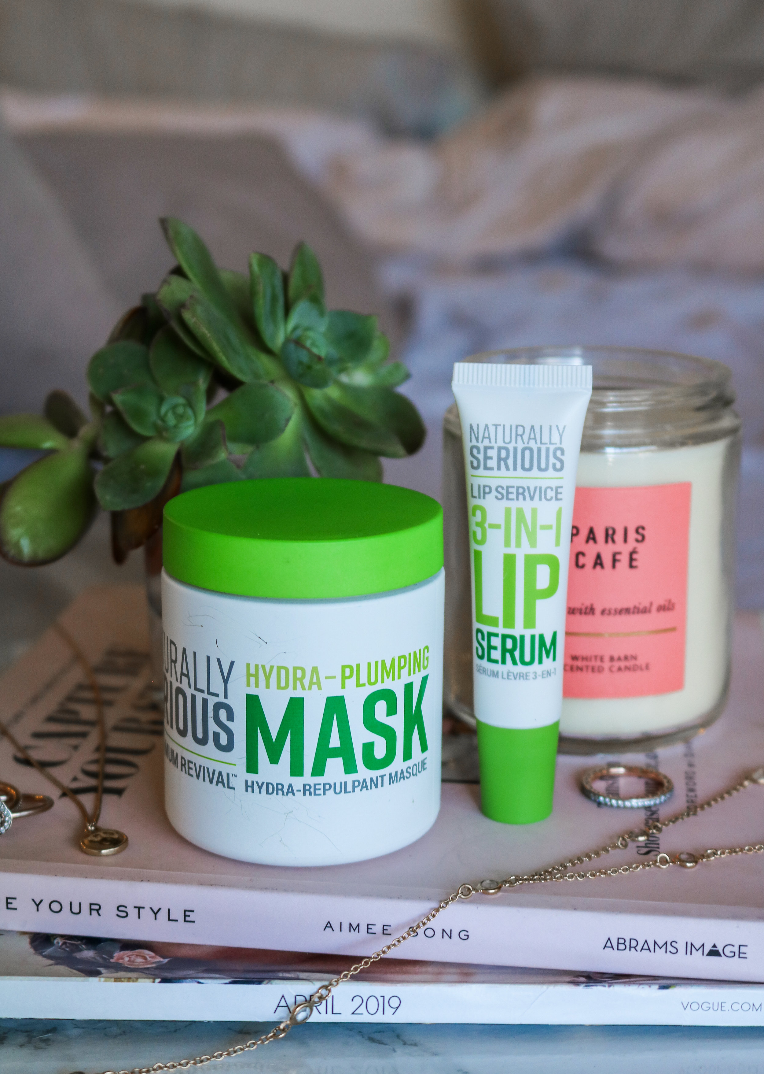 The Hungarian Brunette Naturally serious hydra-plumping mask and 3-in-1 lip serum review (1 of 3).jpg