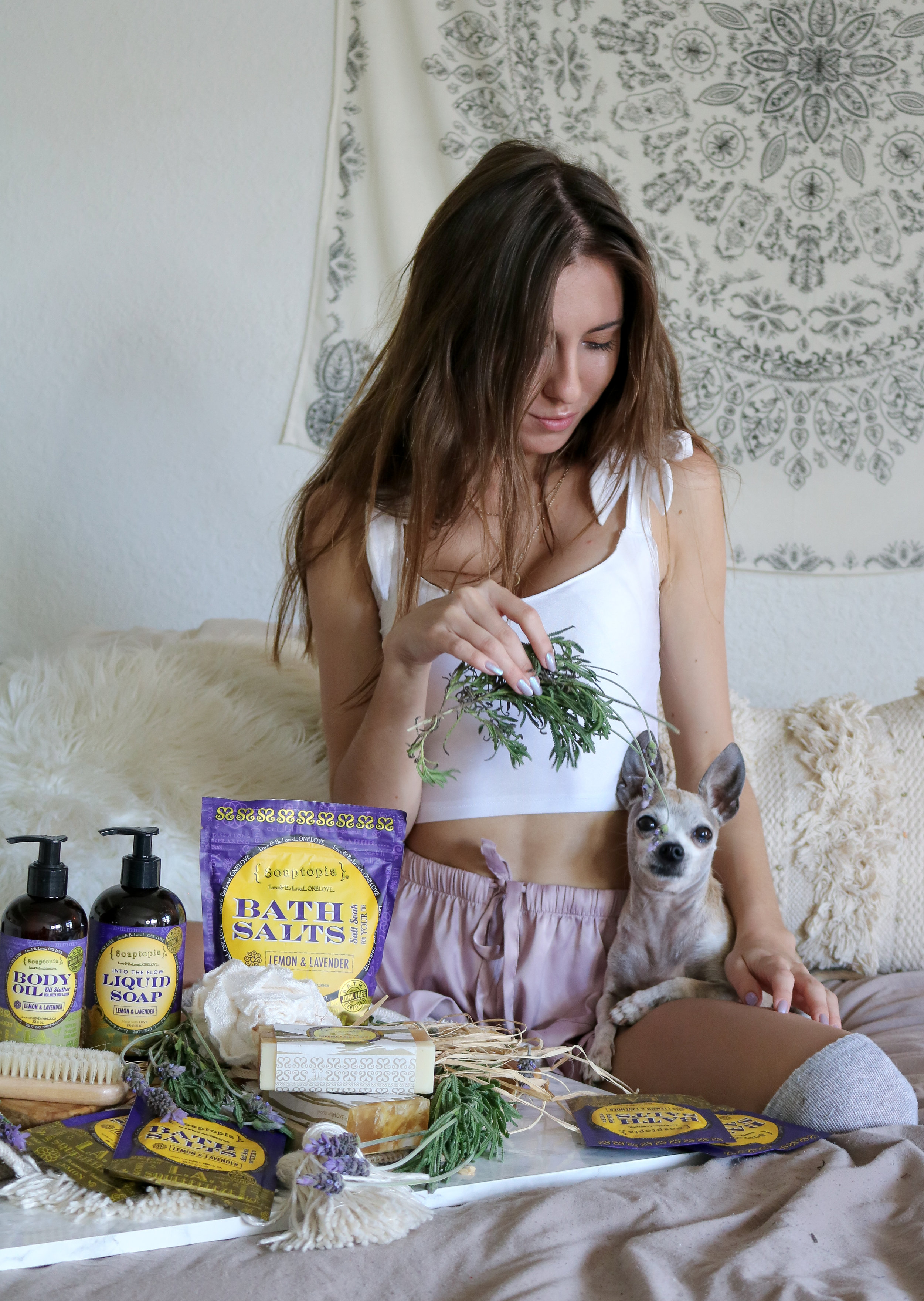 The Hungarian Brunette - THE PERFECT BATH TIME RITUAL (& PRODUCT LINE) TO UNWIND AT NIGHT - Soaptopia Lemon lavender collection