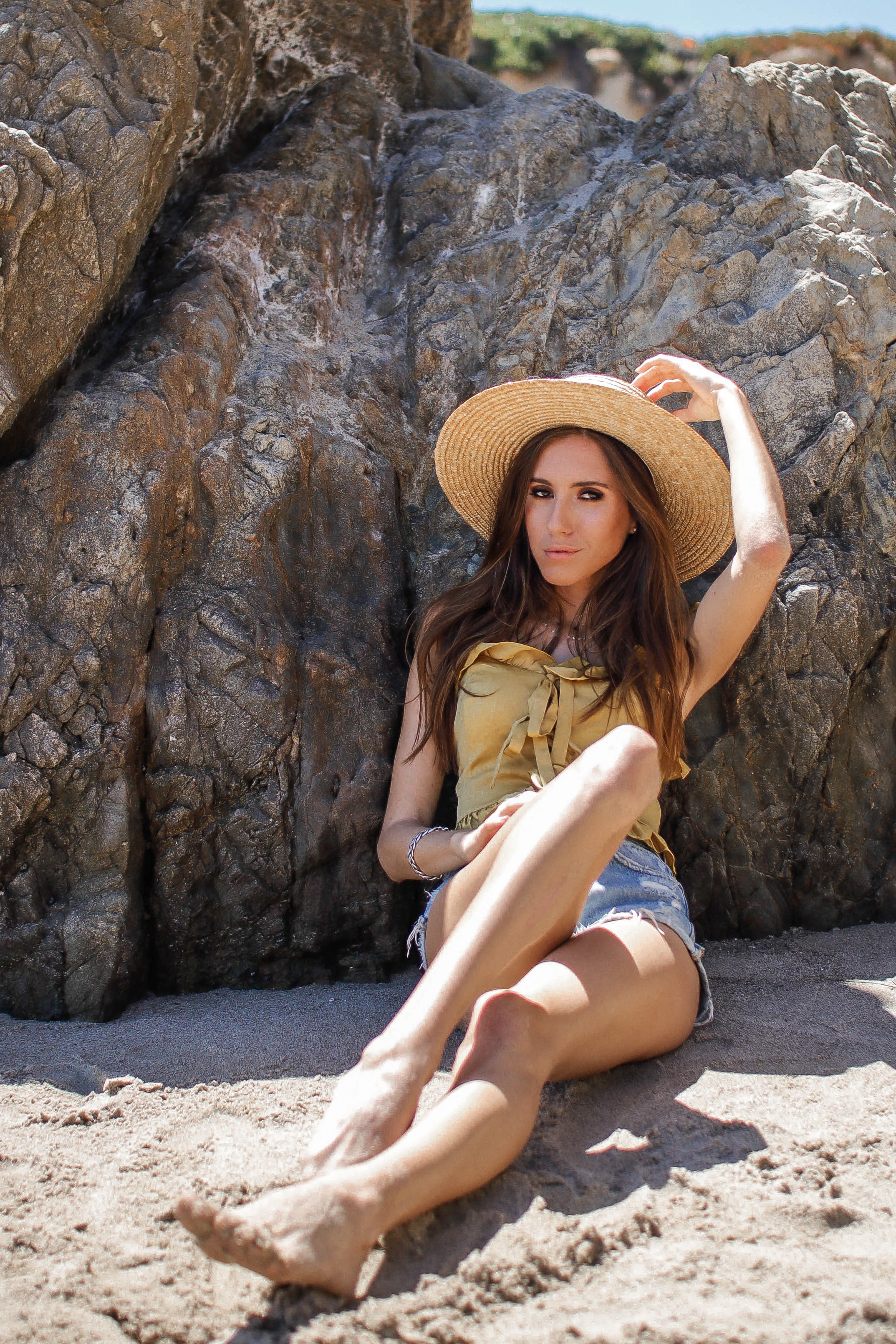 THE+HUNGARIAN+BRUNETTE+-+THE+BEST+BEACH+ACCESSORIES+YOU+CAN+ALSO+WEAR+IN+THE+CITY