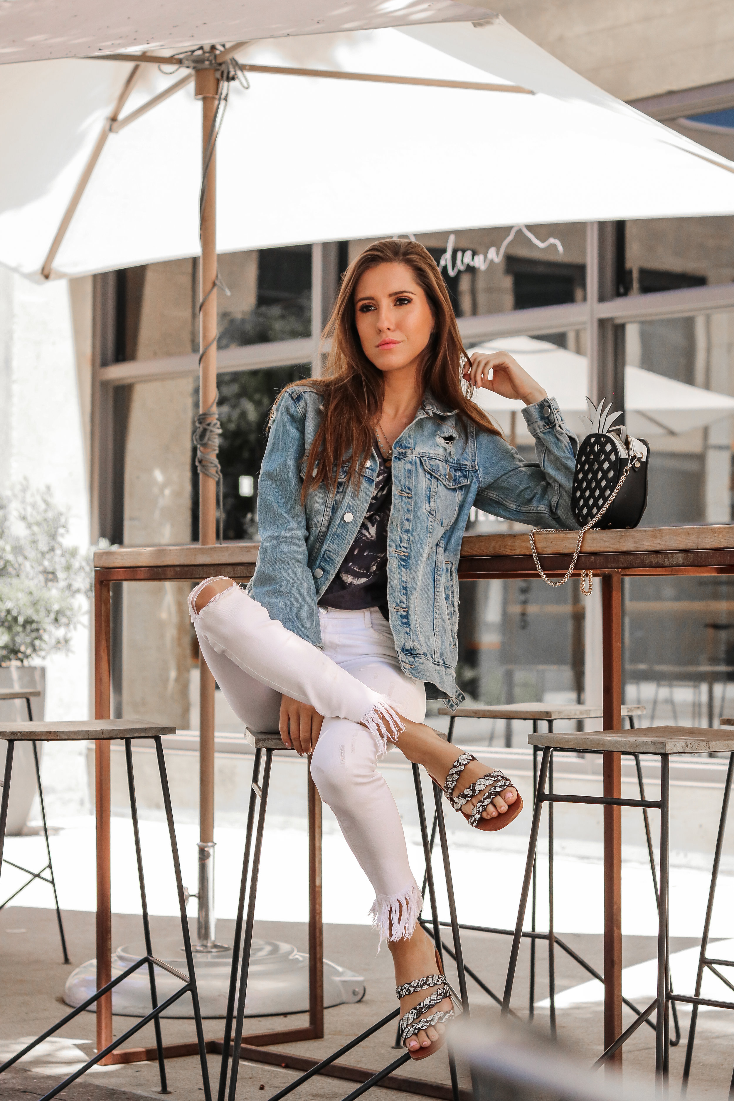The Hungarian Brunette 3 ways to wear a denim jacket, white jeans and graphic tee