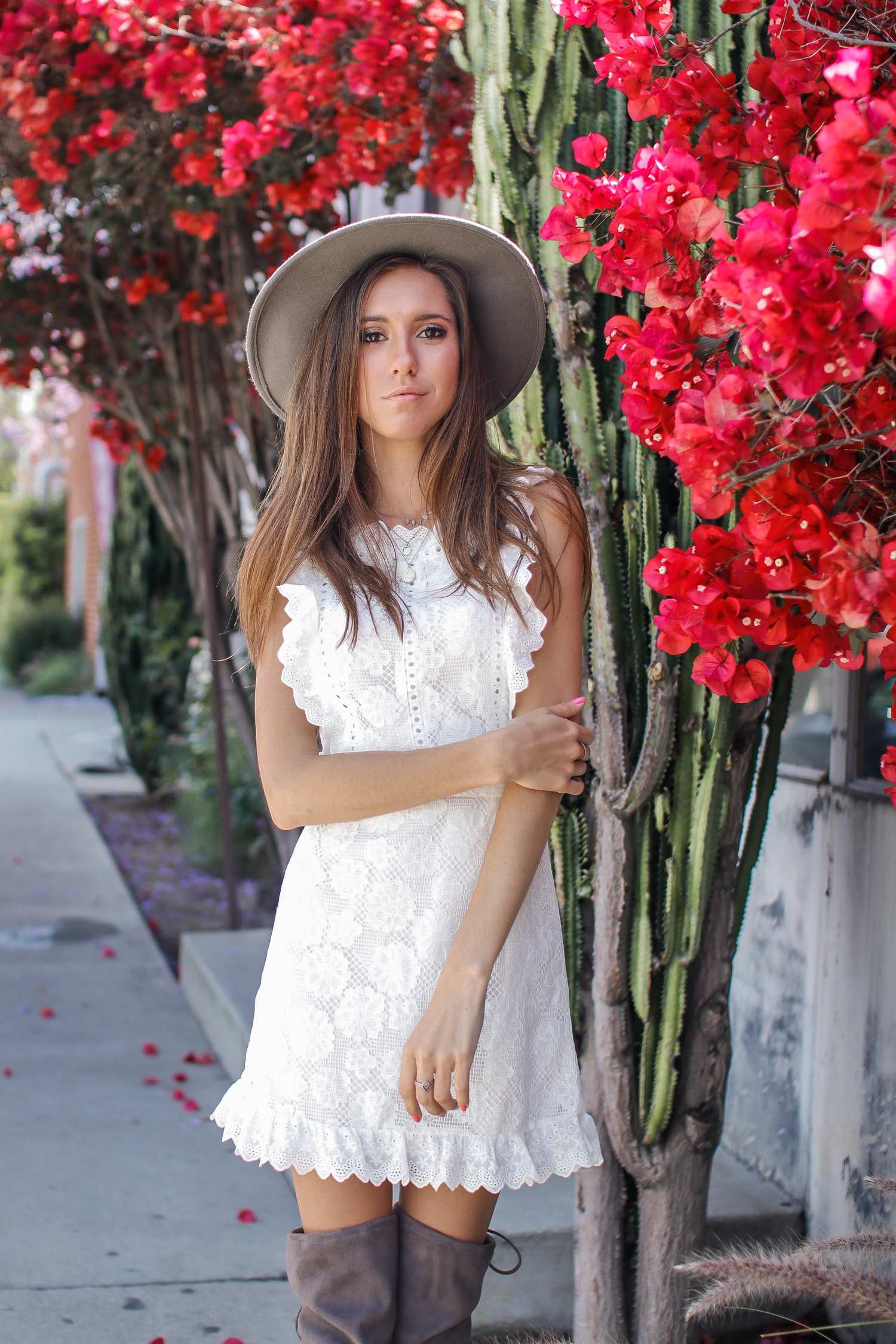 The+Hungarian+Brunette+My+new+favourite+white+lace+apron+dress+(p.s.jpeg