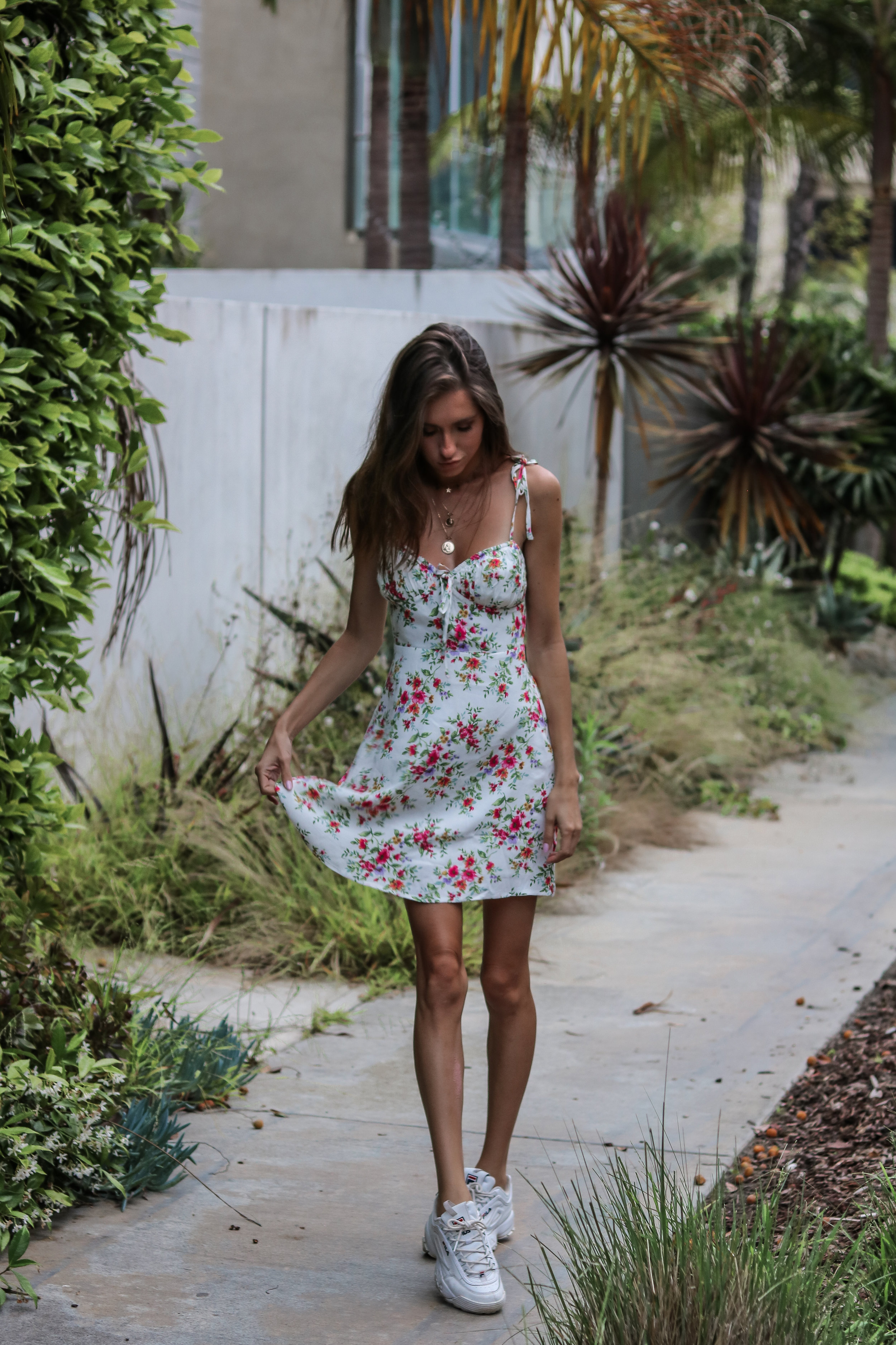 The Hungarian Brunette - The best outfit for summer travel + how to pick the perfect travel dress that will take you anywhere