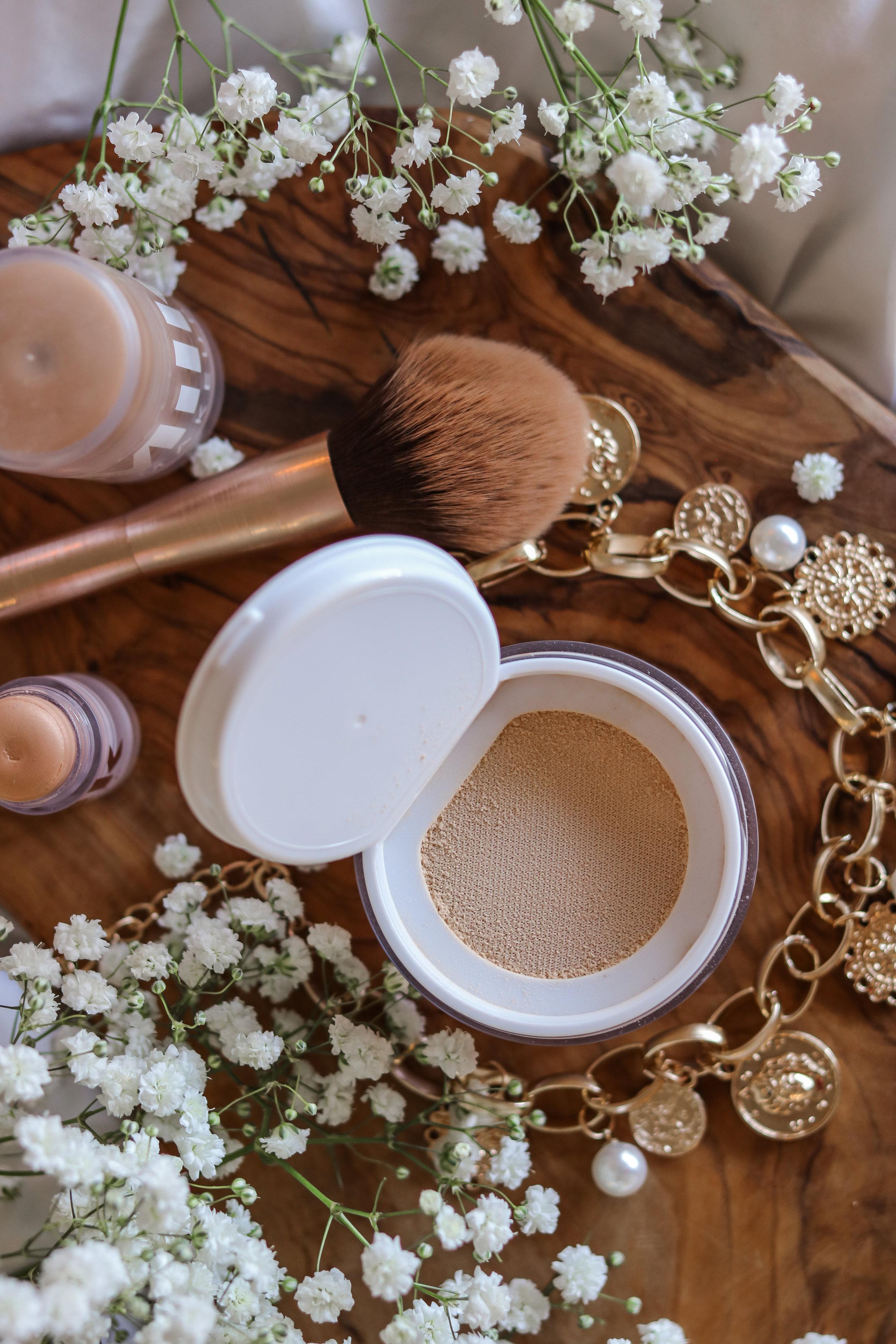 The Hungarian Brunette Milk Makeup blur + Set loose setting powder review