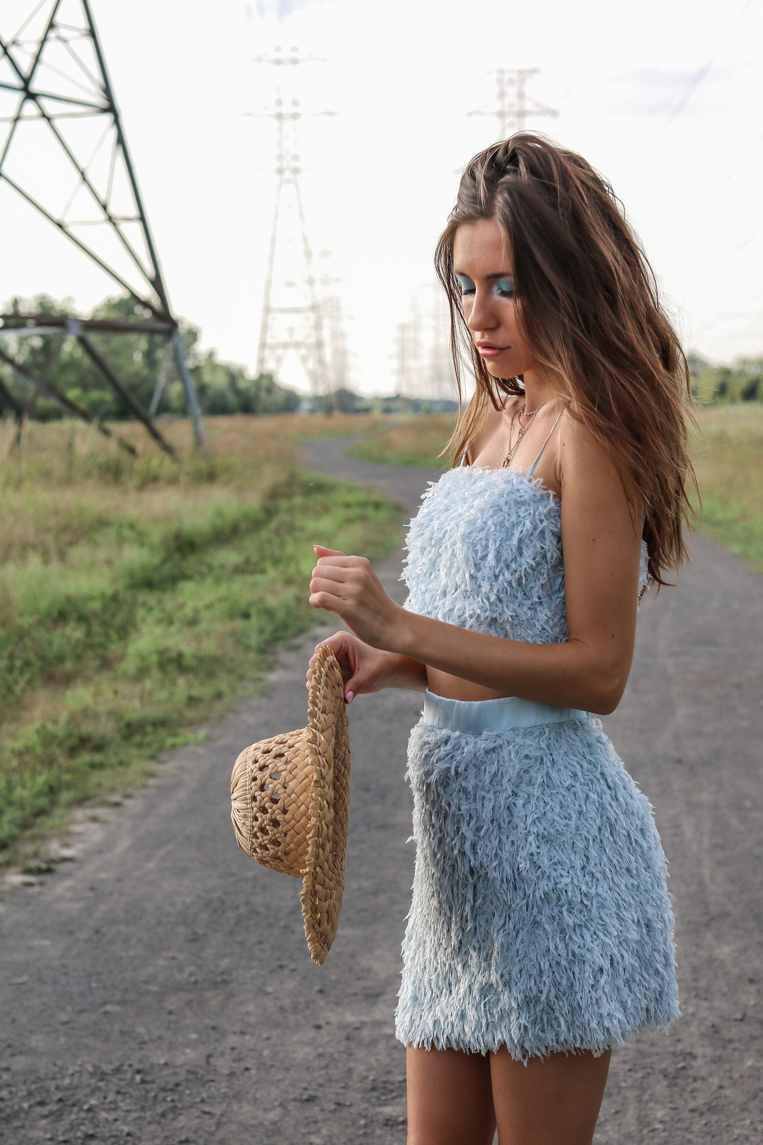 The Hungarian Brunette Blue feather set (17 of 24).jpg