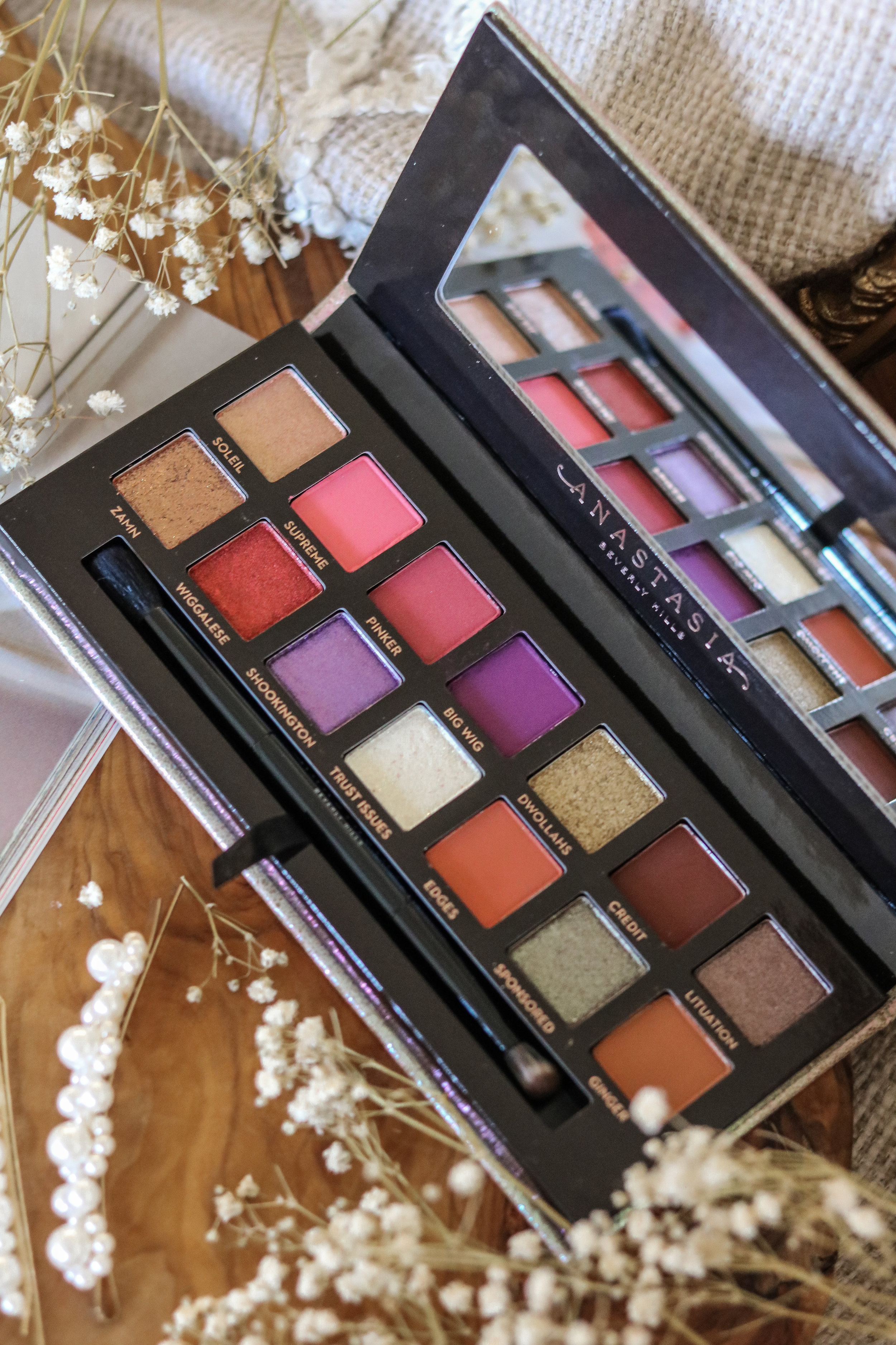 The Hungarian Brunette jackie aina palette