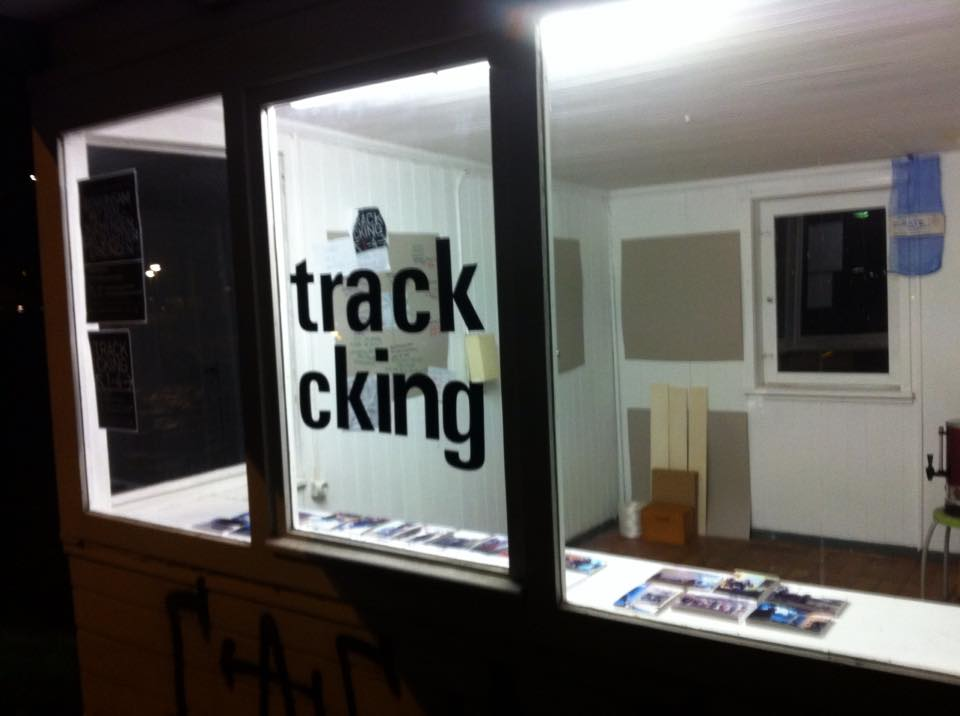 tracking-2-02.jpg