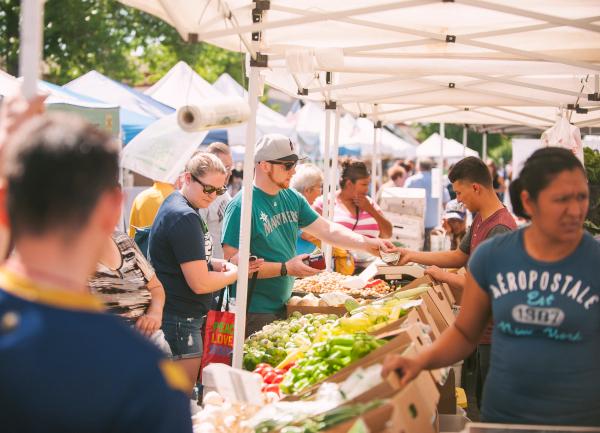 Downtown Yakima Farmer's Market