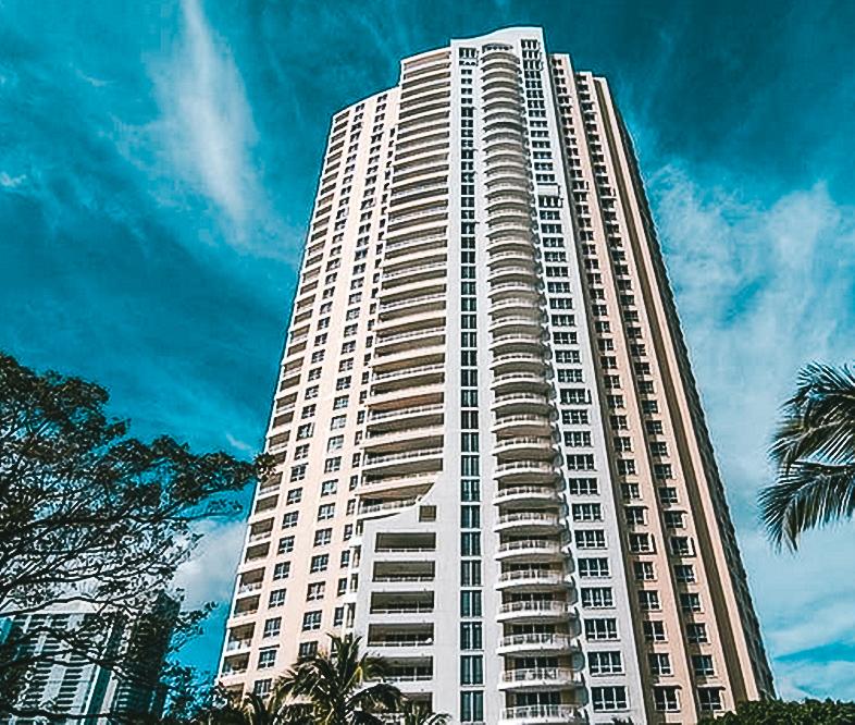 Three Tequesta Point - Address: 848 Brickell Key Dr., Miami, FL 33131Number of Units: 236Info: Vilma Migenis