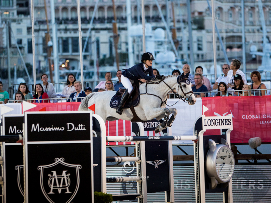 Jennifer Gates and Pumped Up Kicks at GCL Monaco. Photo by Ashley Neuhof Photography.
