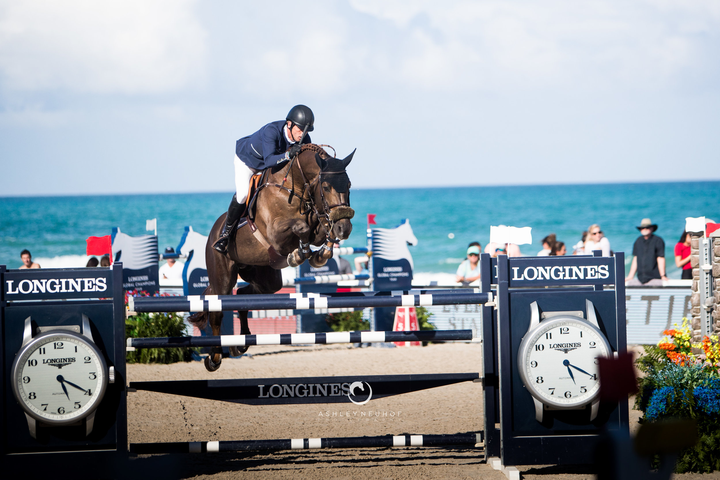 Harrie Smolders and Don VHP Z N.O.P. at Global Champions League of Miami 2019. Photo by Ashley Neuhof Photography.