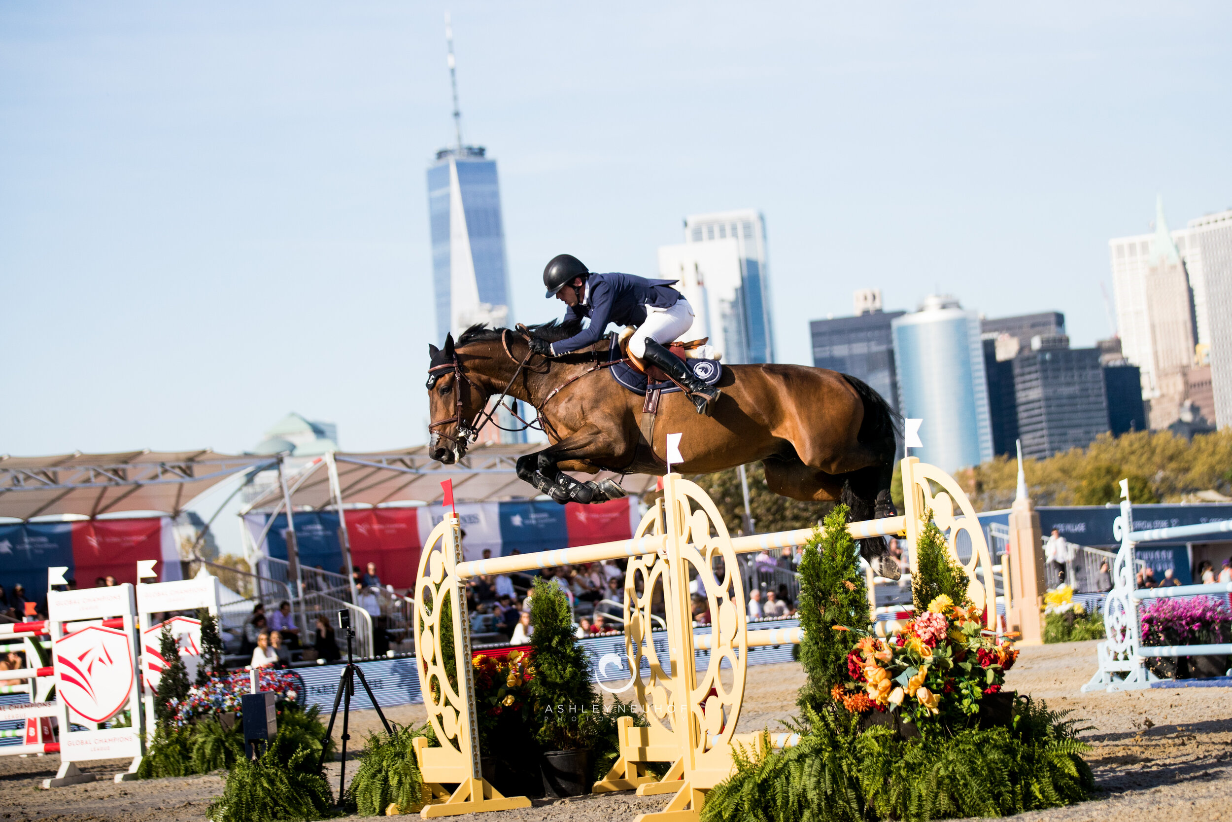 Harrie Smolders and Cas 2 at Global Champions League of New York 2019. Photo by Ashley Neuhof Photography.