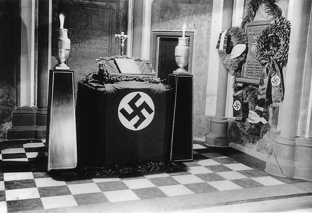 Nazi Protestant Altar at the Antoniter church in Cologne, 1935 ( source ,  source )