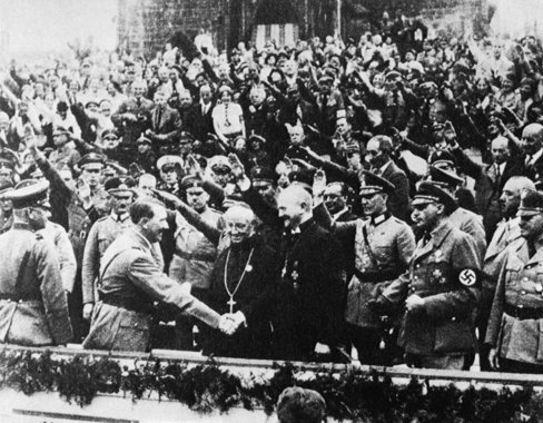 """Hitler greets Muller the """"Bishop of the Reich"""" and Abbot Schachleitner"""