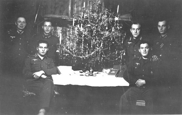 Christmas 1942/43  (Source:  forum.axishistory.com )