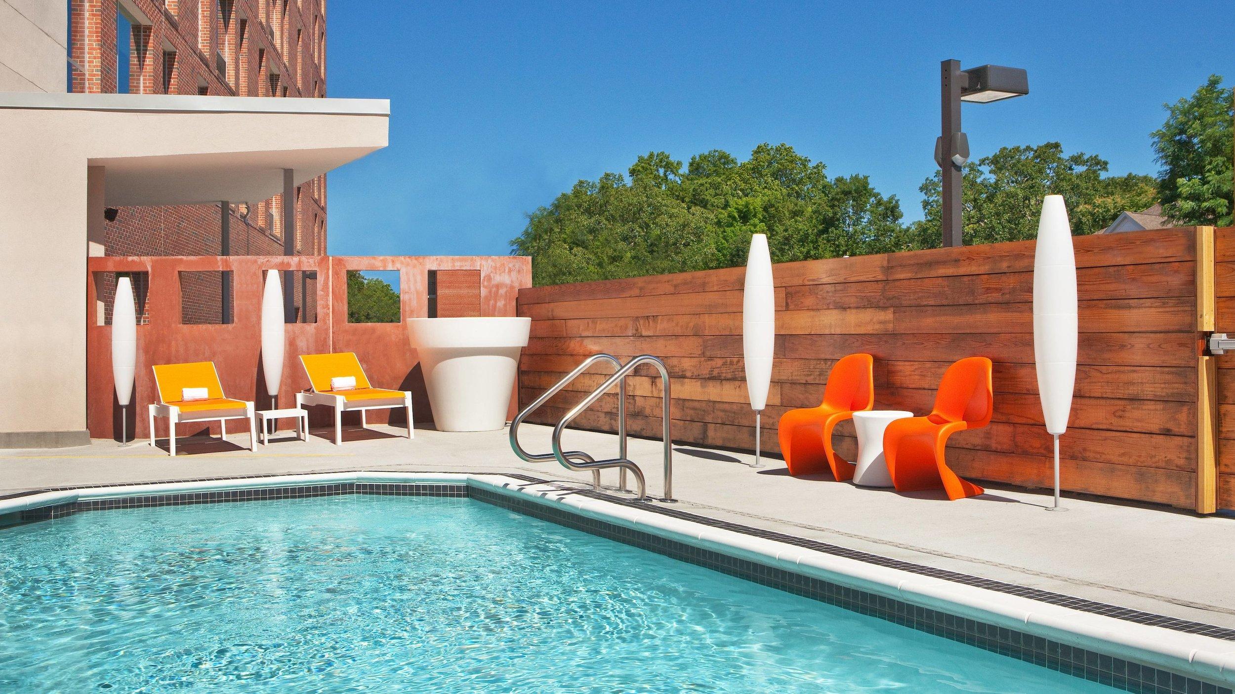 rdura-pool-5994-hor-wide.jpg