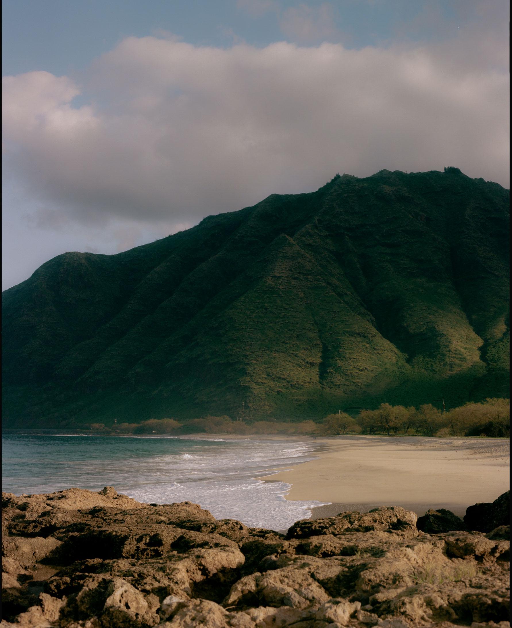 Hawaii_Mountain_Edge.jpg