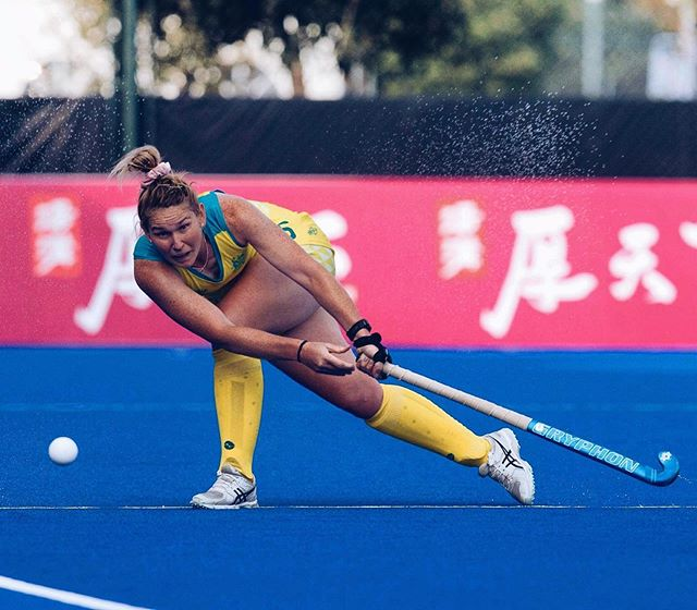 We're thrilled to announce our latest coaching addition to join the Activ8 Hockey family, Penny Squibb! 🙌🏼✨🎉  A born and bred WA girl, Penny grew up in Tambellup, located in country Western Australia. She played the majority of her juniors on grass before moving to Perth for hockey, boarding at school at age 15. This was also the time when she first started playing on turf! 🏃🏼♀️🏑  Penny defines hard work and perseverance, progressing through the senior ranks and making her Hockeyroos debut in 2018 at the Champions Trophy. She is now a valuable asset amongst the Australian defensive group and a talented drag flicker on the Hockeyroos penalty corner attack. 🇦🇺🏅  Her favourite hockey career highlight includes scoring her first international goal against Japan during her debut tournament and when she gets time away from training, she loves travelling back to her family farm and cuddling her adorably cute pet calf! 🐮🍃🐄  If you'd like to meet Penny and be coached by her for three days, head to @activ8hockey and enrol now for our October School Holiday Camp.