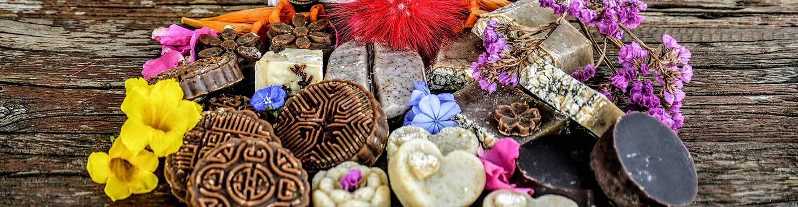 hand-made-choclate-oats-vegan-organic-soap-skin-care-work-shop-she-divine (2).jpg