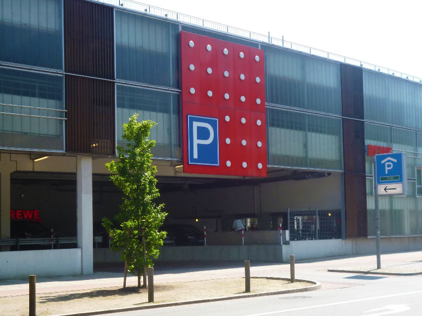 p1010265_parkhaus_w.jpg