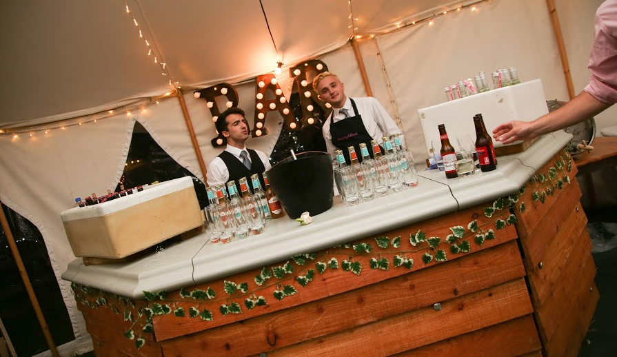 Our Traditional Bar is a fantastic addition to the celebrations, other styles of Bar are available and have been designed to compliment our Traditional Marquees.