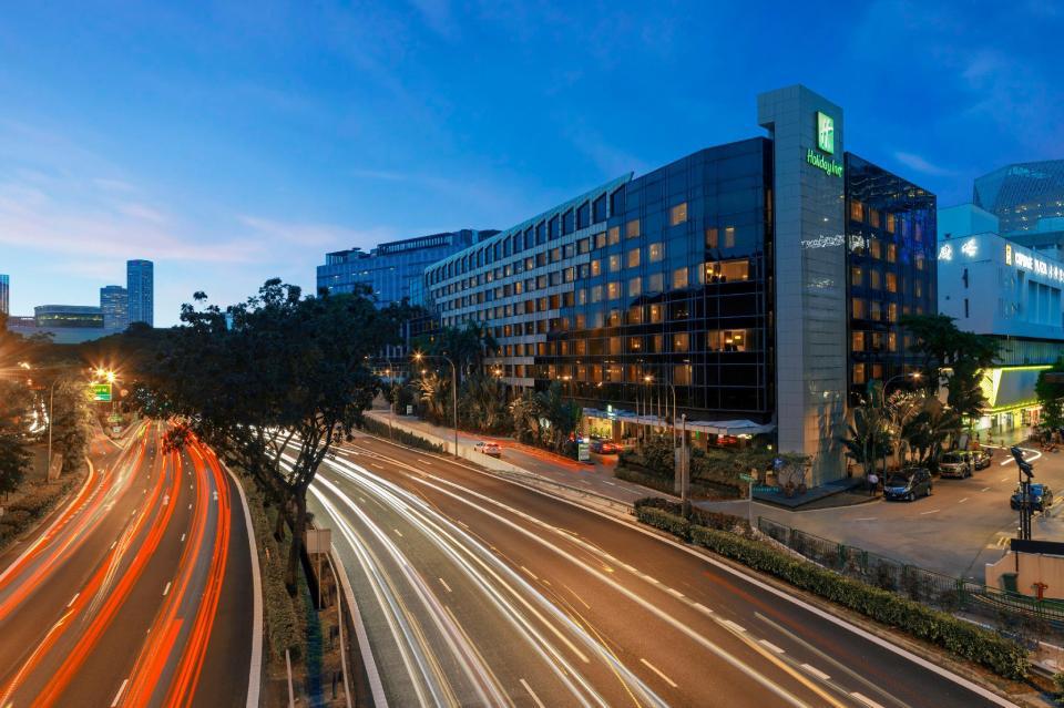 Holiday Inn Orchard City Centre (Mid-Range)