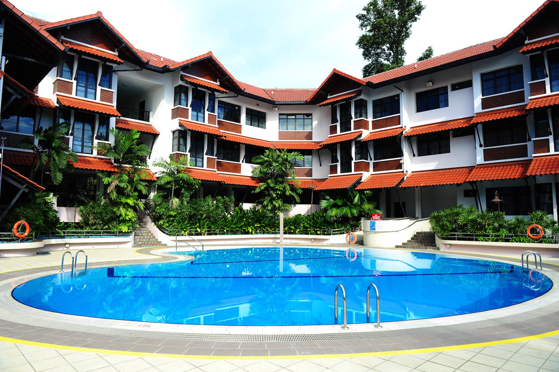 Costa Sands Resort (Mid-Range)